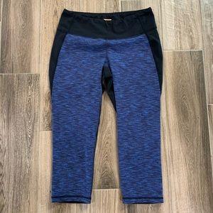 Lucy powermax Capri athletic workout leggings sz M